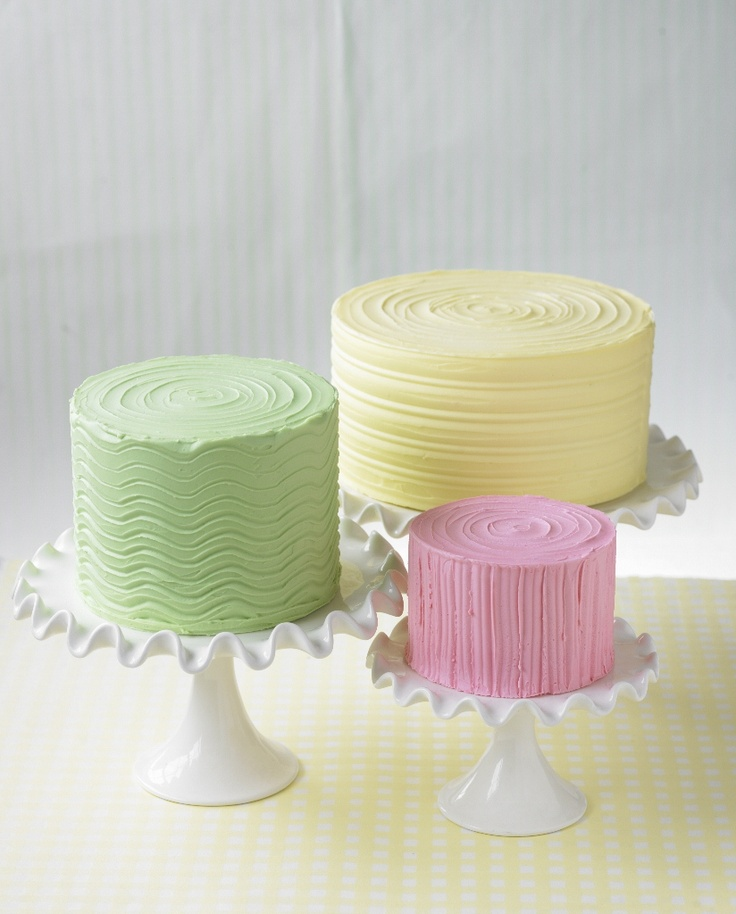 Very fun and simple for spring.  Would also make a great simple wedding cake if all done in white!!