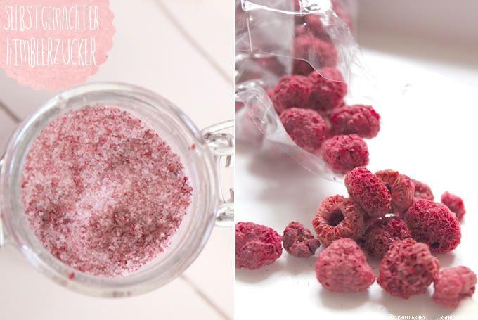 Heute gibt es mal wieder etwas leckeres für euch... Es ist rosa und schmeckt süß und fruchtig! Na wer von euch kommt drauf???? Himbeerzucker...