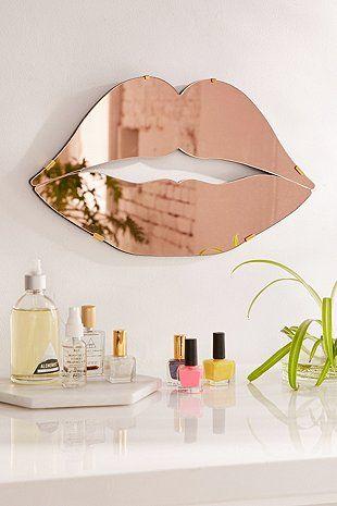 Spiegel in Lippenform - Urban Outfitters