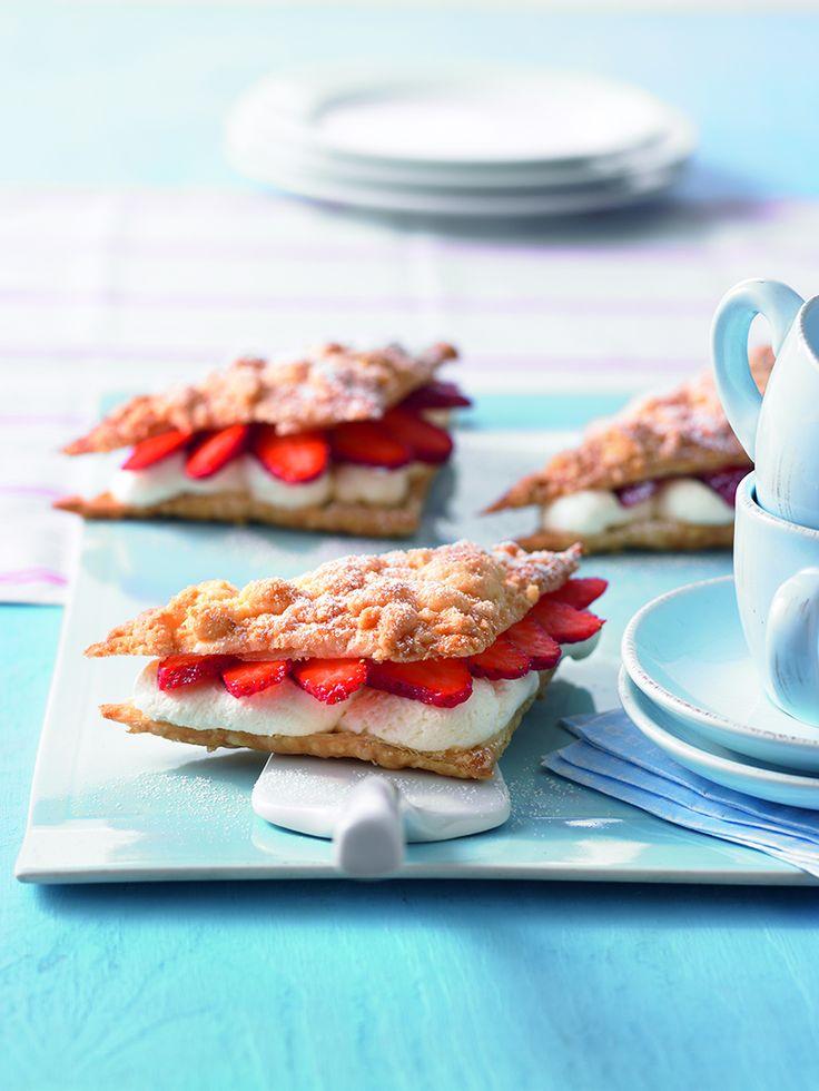 Erdbeer-Quark-Dreiecke -  Knusprige Blätterteigteilchen mit einer Erdbeer-Quark-Creme