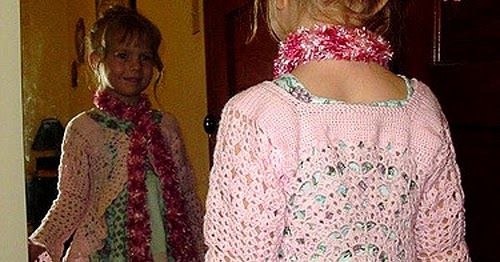 Hippie Jacket    This crochet pattern / tutorial is available for free...     Full post: Hippie Jacket