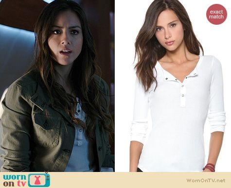 Skye's white henley tee on Agents of SHIELD. Outfit Details: http://wornontv.net/22480 #AgentsofSHIELD