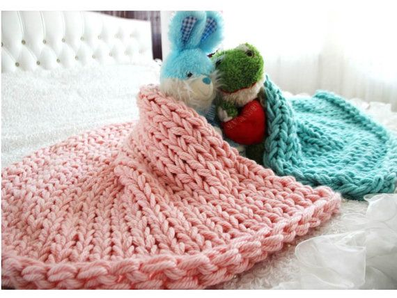 VALENTINE's DAY SALE Lovers Chunky Knit Blanket by TheKnitBeyond
