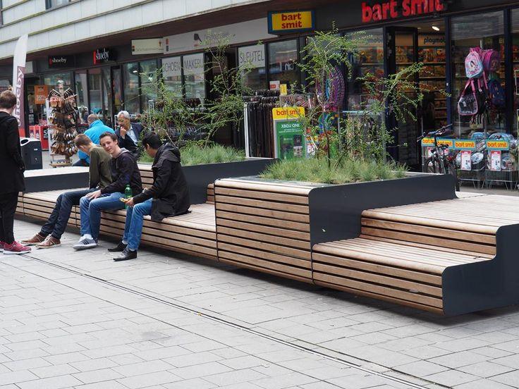 FalcoLinea boombakken en XXL banken voor centrum Stadshagen, Zwolle