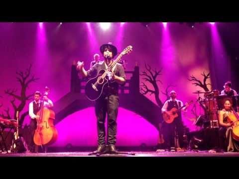 Vivere la vita - Alessandro Mannarino- Live @Teatro Brancac - YouTube
