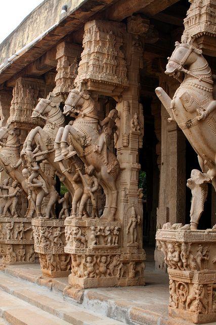 Architectural details at Sri Ranganatha Temple, Tamil Nadu, India (by Judith Knibbe).