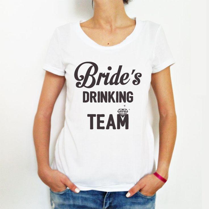Bride's Drinking Team Tshirt για τις φίλες της νύφης