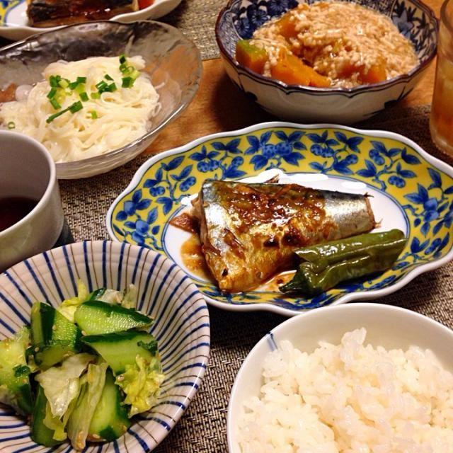 • サバの味噌煮 • カボチャのそぼろあんかけ • きゅうりの梅しそ和え • おそうめん • ごはん - 9件のもぐもぐ - サバの味噌煮 by Sakiko
