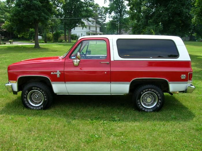 red and white 86 chevy blazer 4x4 many clean full size blazers this is a nice one for the. Black Bedroom Furniture Sets. Home Design Ideas