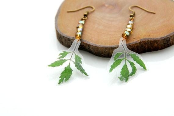 Gedroogde bladeren oorbellen   hang oorbellen door SnaaraBaaraBijoux, €14,00