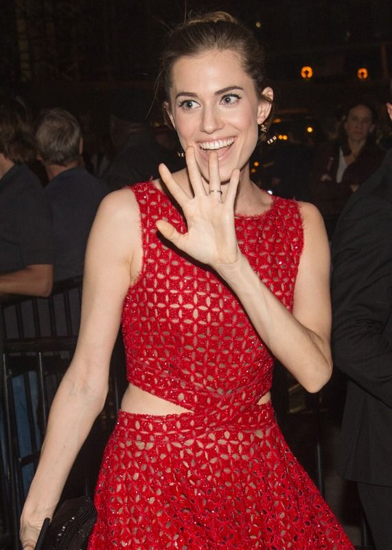 Allison Williams Married Ricky Van Veen & Their Wedding Was The Cutest Thing Ever — PHOTO