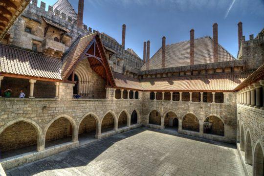 Guimaraes - Fique a conhecer as tradições populares de Trás-os-Montes-e-Alto-Douro em: www.asenhoradomonte.com