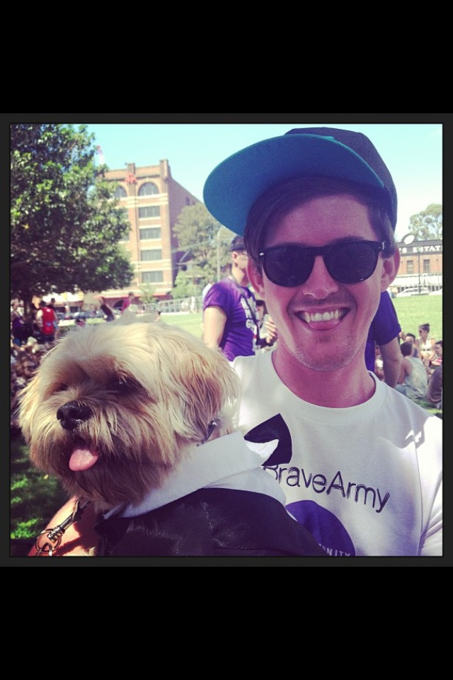 And cute pooch number 2! This time it was Elliot who got some cute dog hugs