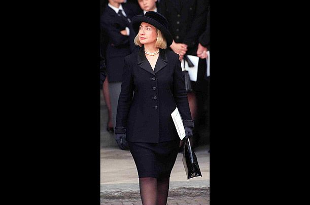 princess diana essays Princess diana synthesis essay controversial death of princess diana august 31, 1997 was a sad day for people from all different places around the world the world lost diana frances spencer, princess of wales.