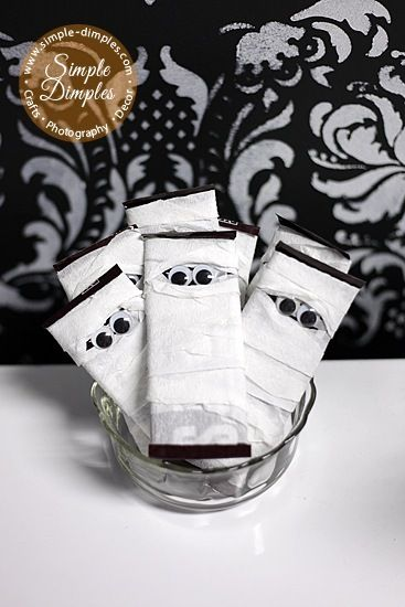 Mummy bars - perfect Halloween treat to send to school!