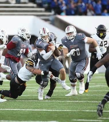 UMass football rallied around Andrew Ford injury in dramatic win over Appalachian State