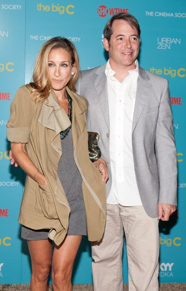"""Sarah Jessica Parker Photos Photos - Sarah Jessica Parker and husband Matthew Broderick attend the Showtime with The Cinema Society screening of """"The Big C"""" at the private home of Donna Karan on August 7, 2010 in East Hampton, New York. - Showtime With The Cinema Society Host A Screening Of """"The Big C"""""""