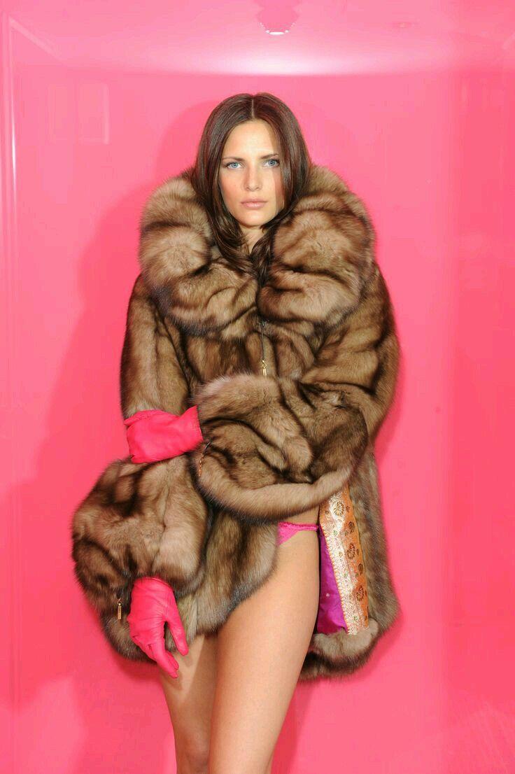 Ariel Rebel Fur Coat Picture Set Download