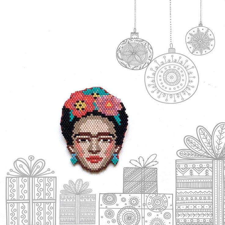 """184 Likes, 11 Comments - ⠀⠀⠀⠀⠀⠀⠀⠀⠀⠀TATIANA (@t_a_t_s_i) on Instagram: """"Une nouvelle broche Frida est disponible dans ma boutique ALM. Elle fera un cadeau idéal au pied…"""""""