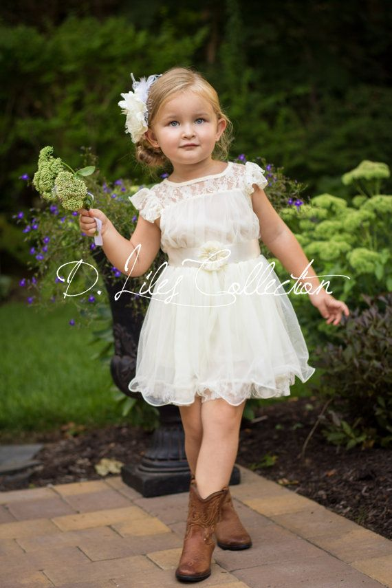 The Charlotte  Ivory Lace Chiffon Flower Girl por DLilesCollection