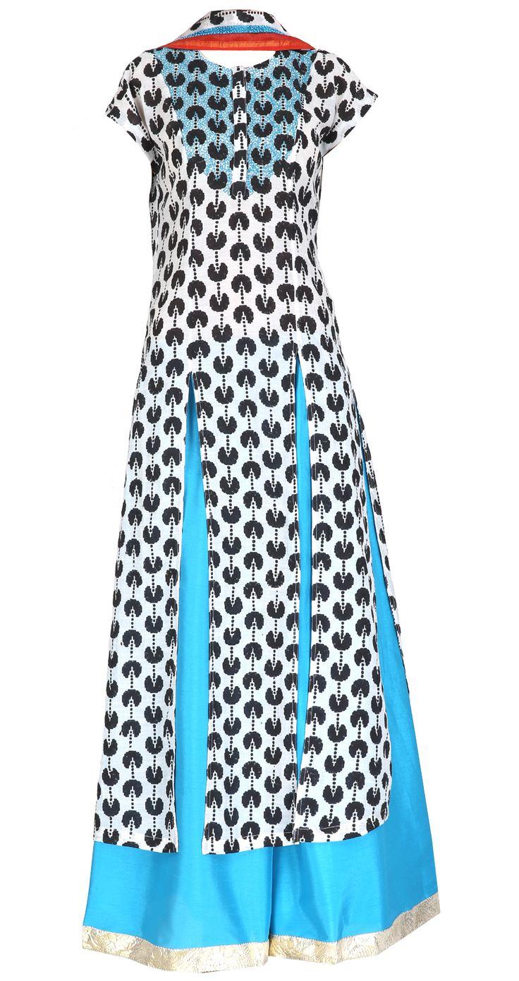 Black and white sharara tunic with dupatta by Surendri/Yogesh Chaudhary    Shop at https://www.perniaspopupshop.com/whats-new/surendri-yogesh-chaudhary-1