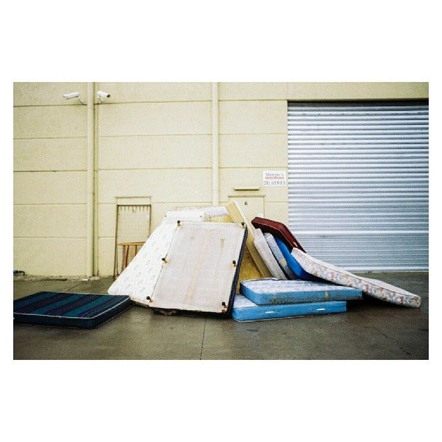 diversal:  more #melbanality in the form of multiple mattresses #35mm #shootfilmstaybroke #pulpmatter