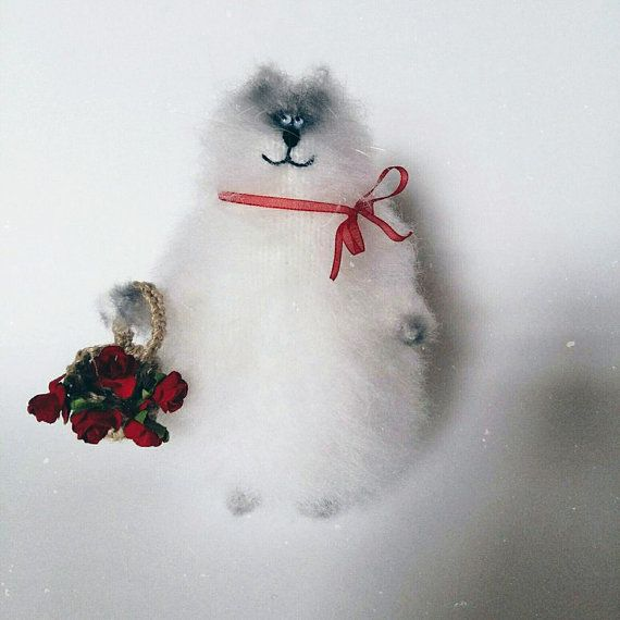 White cat in love от WhatMyToy на Etsy