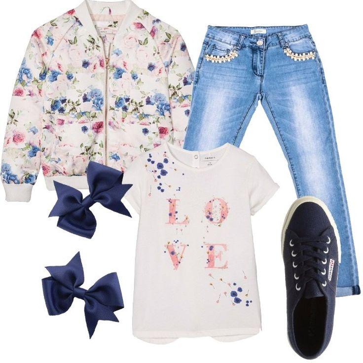 Un outfit primaverile pensato per una ragazza già attenta alle tendenze moda: jeans blue effetto délave, vita normale, applicazione di catenella e perle alle tasche, fondo con risvolto, abbinato a t-shirt bianca, scollo tondo, manica corta, stampa in contrasto. Delizioso bomber snow white in fantasia floreale, chiuso con zip, collo alla coreana, tasche, sneaker bassa blu, punta tonda, lacci, graziose mollette per capelli a fiocchetto per incantevoli acconciature.