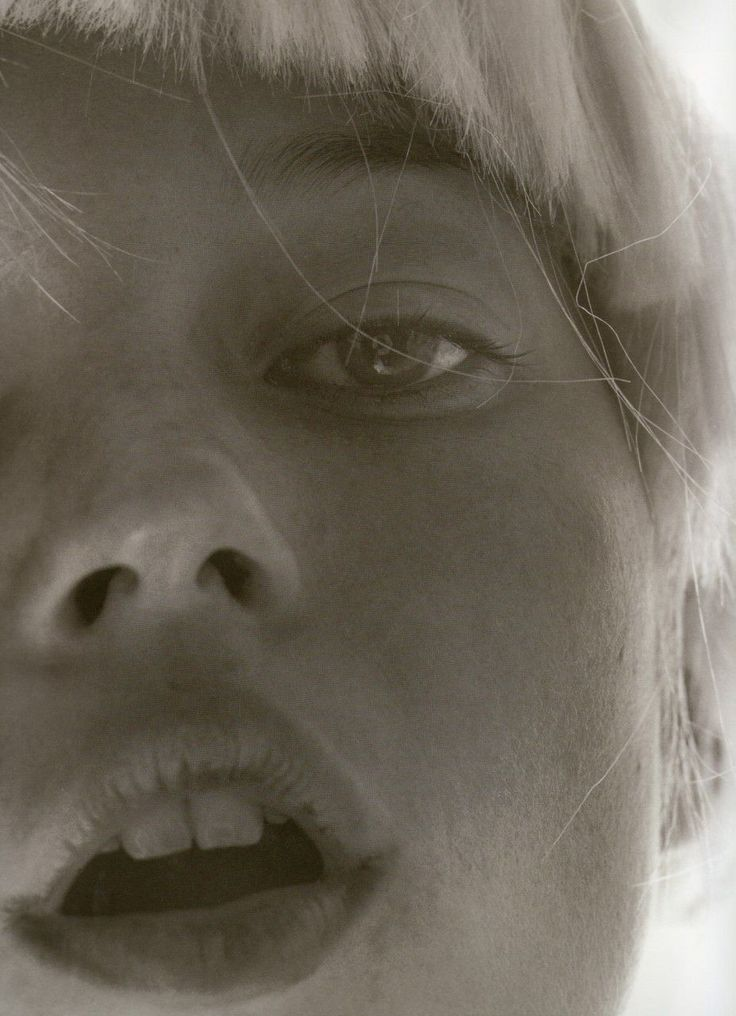 naornicampbell:    Kate Moss, photographed by David Sims.