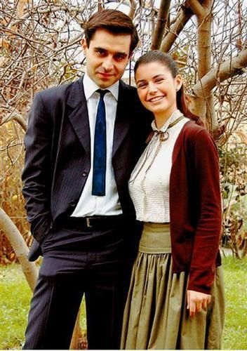 In 2006, she was cast as Yasemin Ünsal in the popular series Hatırla Sevgili directed by Faruk Teber and Ümmü Burha. She shared the leading role with Cansel Elçin and Okan Yalabık. The series focused on the political events occurred during 1950–70 and Saat achieved great success and nationwide fame during the period of its broadcast.