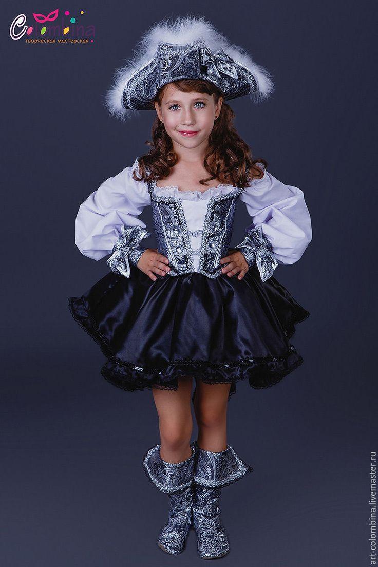 Купить Костюм пиратки - серебряный, пиратка, костюм пиратки, карнавальный костюм, новогодний костюм, парча