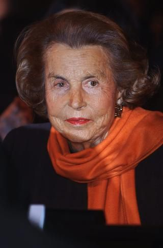 #12 Liliane Bettencourt & family Follow (530) Real Time Net Worth As of 3/28/16 $37.2 Billion Age	93 Source Of Wealth	L'Oreal Residence	Paris, France Citizenship	France Marital Status	Widowed Children	1
