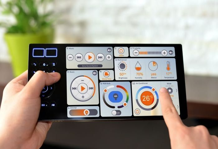 Oomi Smart Home Automation And Security System - The unique home automation system doesn't require any mobile device or companion application, and comes supplied with its own 7 inch touchscreen universal remote control, that can be programmed to suit your needs, requirements and home automation hardware. | Geeky Gadgets