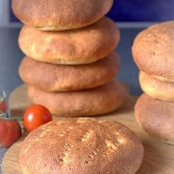 Breakfast buns by Matmedmera