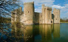 English Castles Photo Gallery, Bodiam Castle