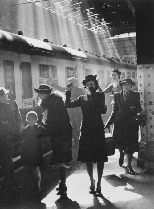 Wartime Terminus - photo by Bert Hardy Paddington Station, London, 1942