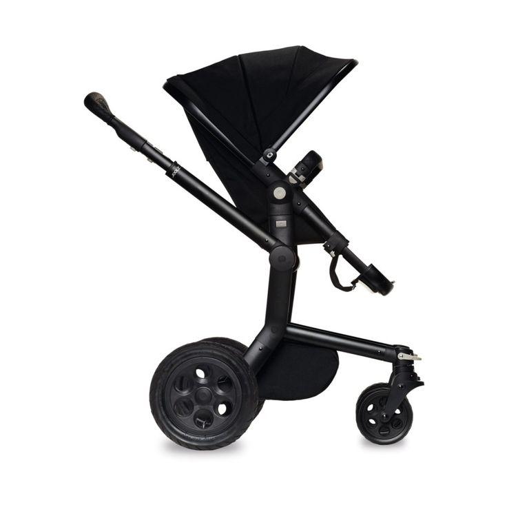 De Joolz Day Studio Kinderwagen is geschikt voor dagelijks gebruik en kan gebruikt worden in allerlei situaties. Dankzij de hoogte hoef je niet ver te bukken en schuif je je kindje gemakkelijk aan de tafel aan.