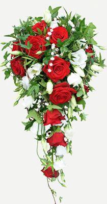 Brudbukett Bridal flowers. Red roses, lisianthus and gypsophila instead of convallaria http://holmsundsblommor.blogspot.se/2011/07/olyckliga-konvaljer.html 110714