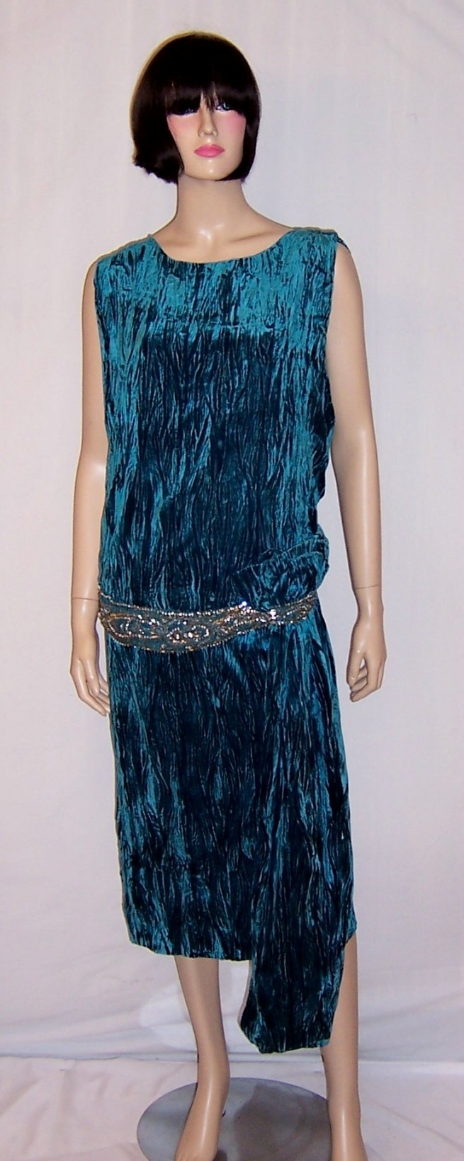 French style crushed velvet dress hat to fit