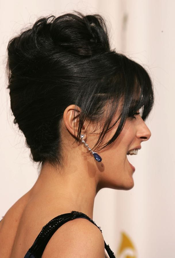 ♥♥♥ Pure White Wedding ♥♥♥ - Wedding hairstyle and something blue in the ears ♥♥♥ Peinados de fiesta
