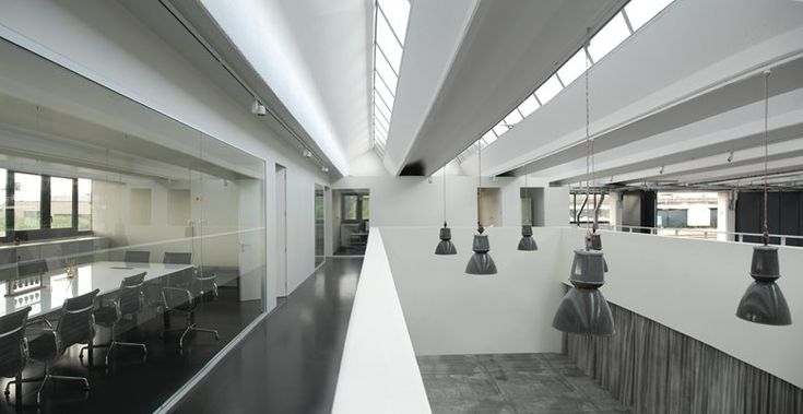 US Headquarter Showroom, Prato, 2014 - b-arch
