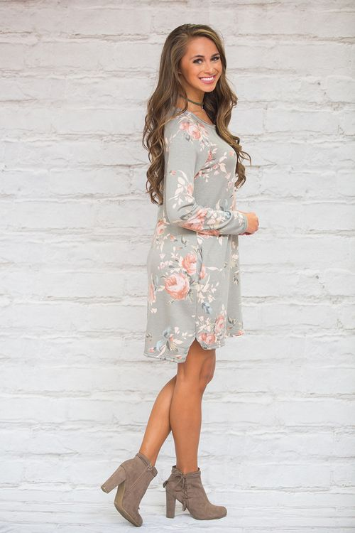 This beautifully elegant floral dress is perfect for a Sunday morning brunch!