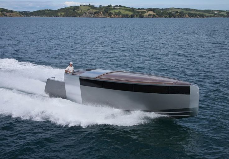 Tender Limousine by Vaudrey Miller. Styled by Philippe Starck. Naval architecture by Patrick Banfield.