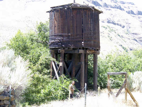 20 best images about water towers on pinterest water for Homestead furniture oregon