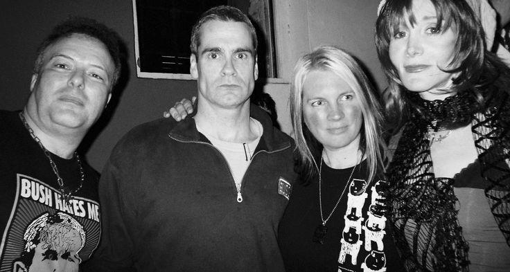 penelope houston | à direita, ao lado de Jello Biafra, Henry Rollins e Penelope Houston ...