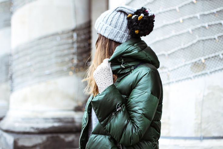 #zara #winter #green #jacket #puff #black #greenlook #leather #minimal #puffy  #look #cap #fashionblogger_pl #fashion #ootd #lookbook #drew #windy #hair #darkcolors #mod #classy #fashionblogger #streetstyle #importantpart  #winteroutfit  #outfit  #warsawblogger #poland #polandblogger   more: http://guesswhat.pl/fashion-vibes/green-green-jacket/