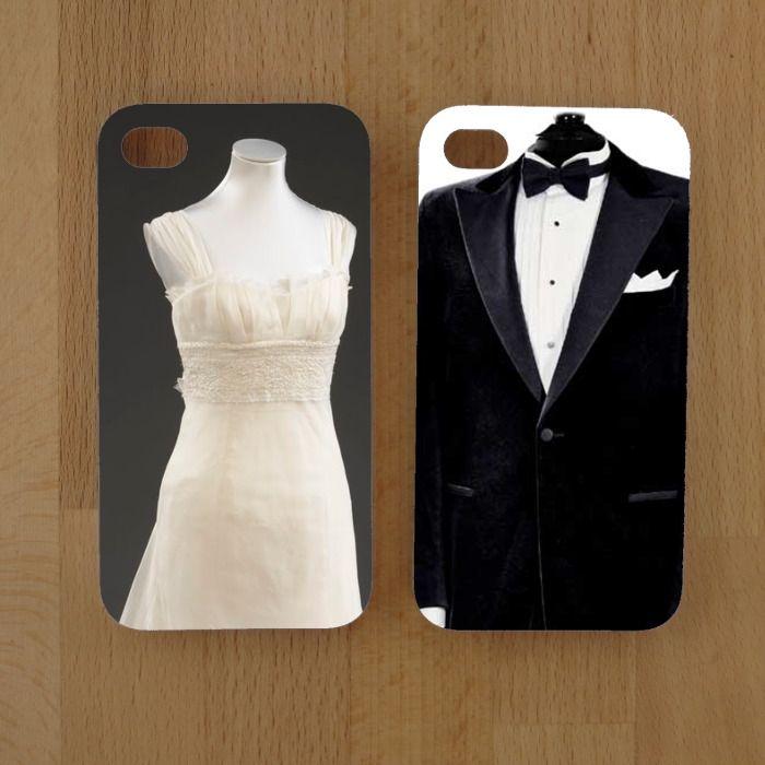 Düğün gününe özel tasarlanmış telefon kılıfları.  İstediğiniz yere hashtag, isim veya tarih koyarak, hatta kendi damatlık ve gelinliğinizin fotoğraflarını kullarak düğün gününüzde kullanabileceğiniz çok özel ürünler.