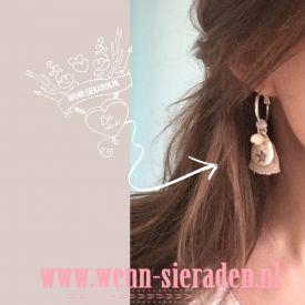 €12,95 Ibiza oorbellen grijs  http://www.wenn-sieraden.nl/ibiza-oorbellen-zilver---grijs