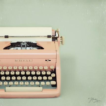 Pink TypewriterOld Schools, Pastel, Pink Vintage, Vintage Pink, Vintage Wardrobe, Pink Typewriters, Vintage Typewriters, Note Cards, Letters