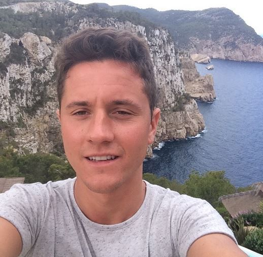 @manutd's Ander Herrera stands on the edge of a cliff in Nazomena, Spain.